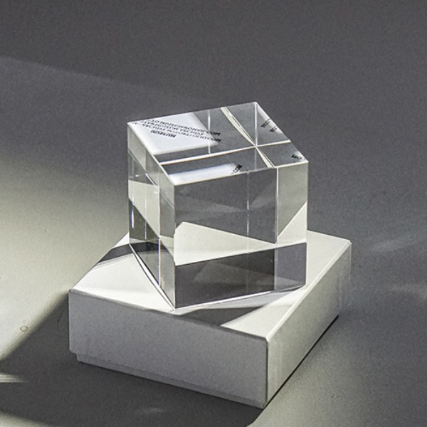 MUSEUM ARCHIVE - CRYSTAL CUBE ( SMALL / LARGE )