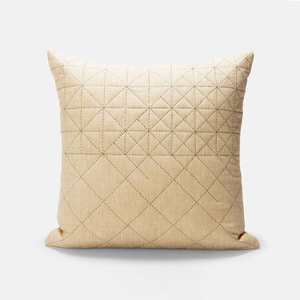 RAY CUSHION - BLACK & NATURAL